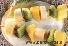 fruitspiesjes in ananas