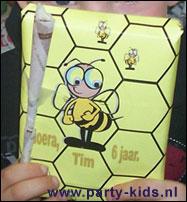 honingraat met bijtje (verpakt cadeautje)