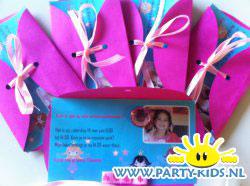 Prinsessen uitnodiging met lint en plakstenen