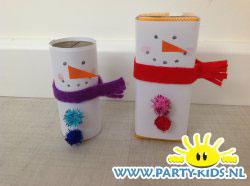 Sneeuwpop van pakje drinken