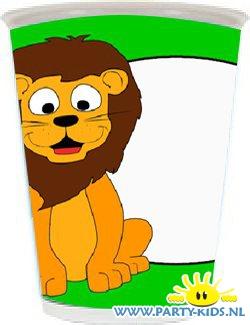 beker met leeuw en eigen naam