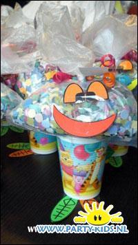 Carnavals Clowntjes met confetti