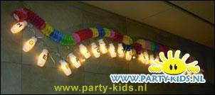 slinger van flesjes met lampjes