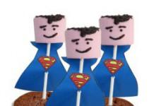 Superman van marshmallow in cakeje