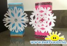 Sneeuwvlokjes met pakjes drinken