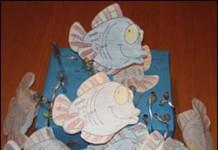 Hengeltjes met visjes van papier