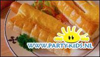 worstenbroodje (bladerdeeg met knakworstje)